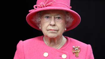 Post image for Queen to use extended pub opening hours for 'massive birthday bender'