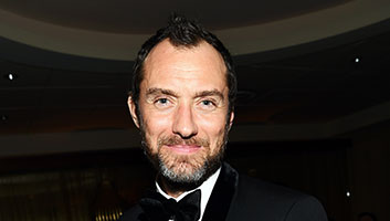 Jude Law dumbledore gay